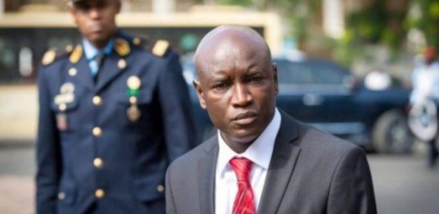 Aly Ngouille Ndiaye: «Pourquoi nous voulons ramener le visa pour les étrangers»
