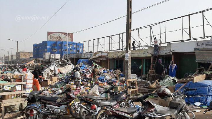 Le marché de bois de Bouaké ravagé par un incendie