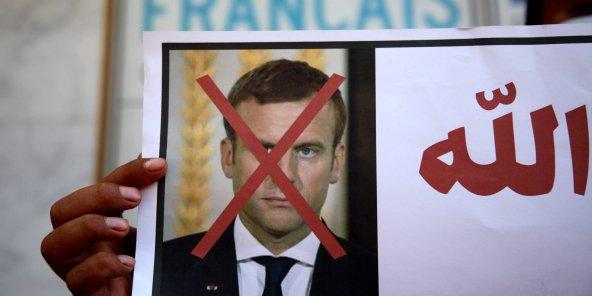 Les manifestations et appels au boycott continuent dans de nombreux pays suite aux propos de Macron