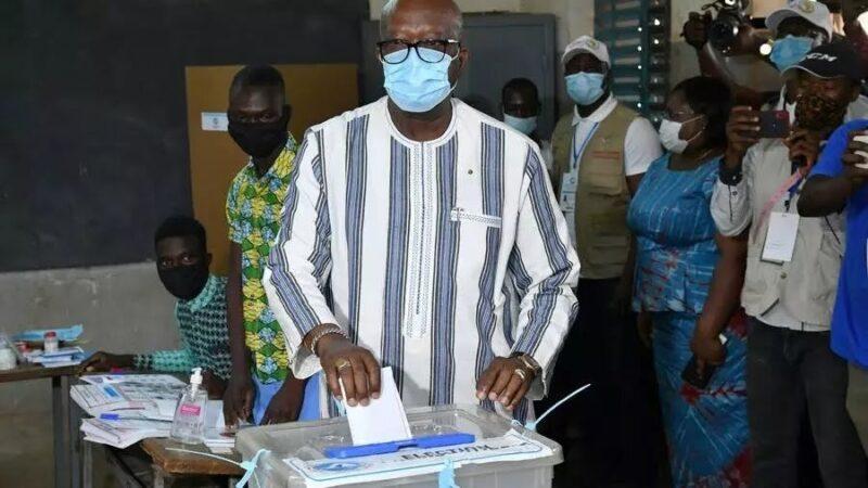 Burkina Faso : le parti présidentiel ne parvient pas obtenir de majorité législative
