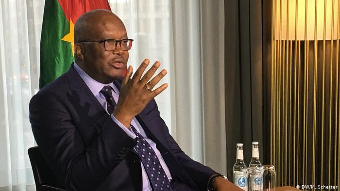 Burkina Faso : le président Kaboré déclaré réélu au 1er tour tend la main