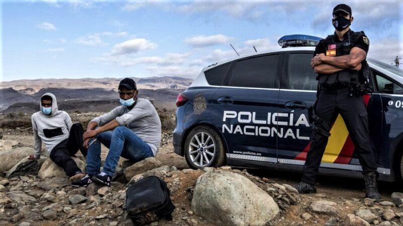 L'Espagne tente de ralentir l'arrivée de migrants sur son territoire