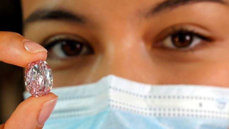 Un diamant vendu à plus de 14 milliards de Francs CFA