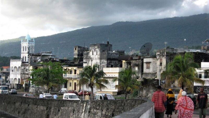 Comores: les délestages quotidiens en électricité exaspèrent la population