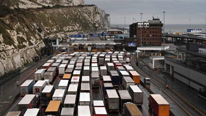 Les passagers en provenance du Royaume-Uni ne sont plus les bienvenus: la liste s'allonge