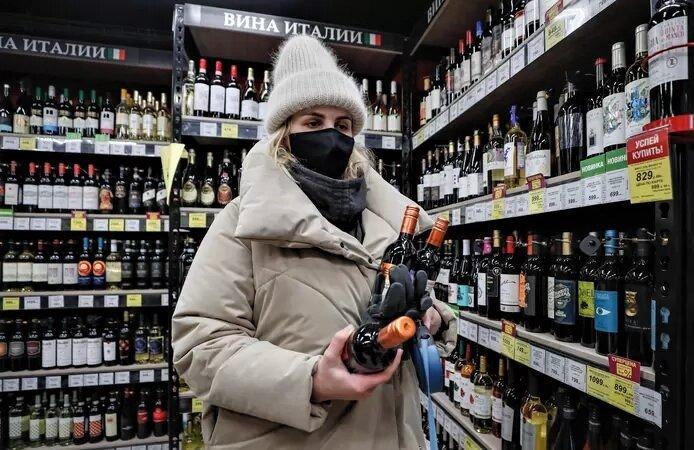 Les Russes priés d'éviter l'alcool pendant deux mois pour garantir l'efficacité du vaccin