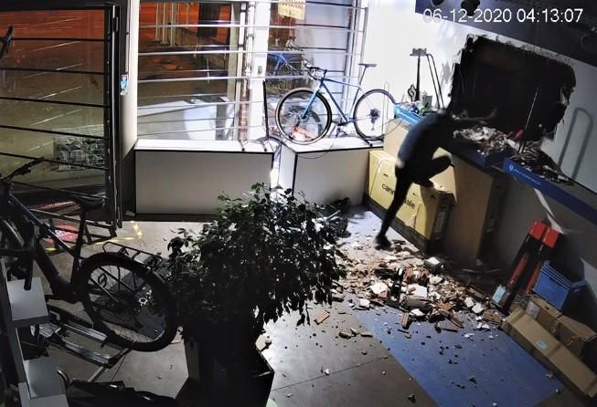 Spectaculaire tentative de cambriolage à Wierde: le commerçant partage la vidéo des faits