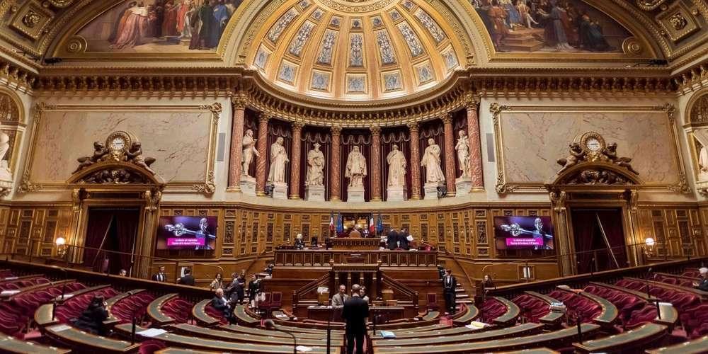 Urgence sanitaire en France: feu vert du Sénat à une prolongation jusqu'au 3 mai