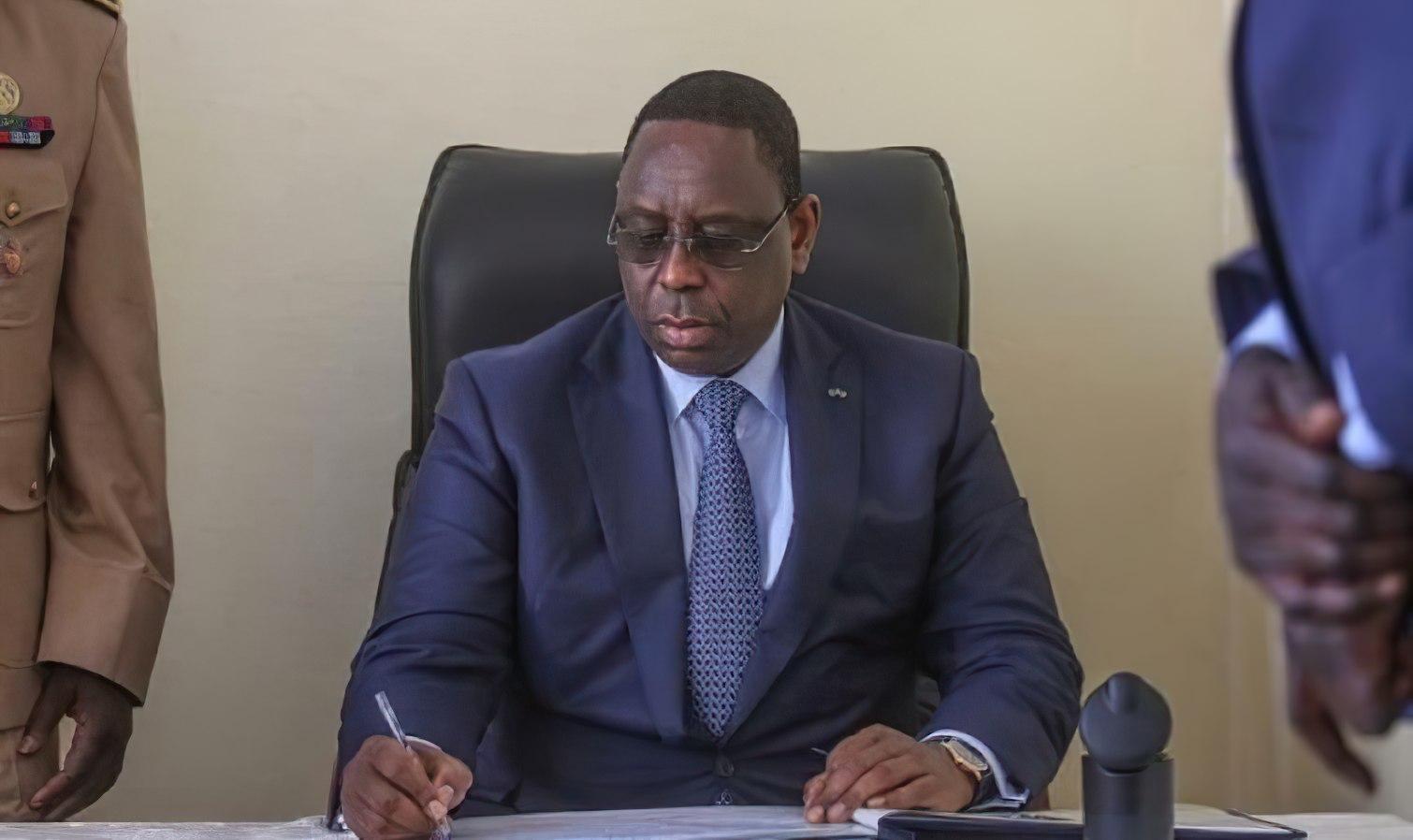 Macky SALL promulgue la nouvelle loi : nous ne sommes plus en état d'urgence