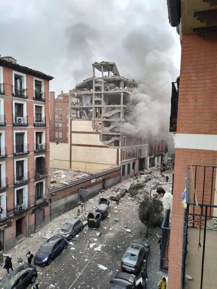 Une puissante explosion détruit un immeuble du centre de Madrid