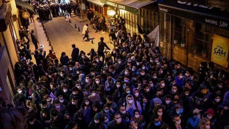 Turquie: Erdogan répond à la contestation en accusant les étudiants d'être des «terroristes»
