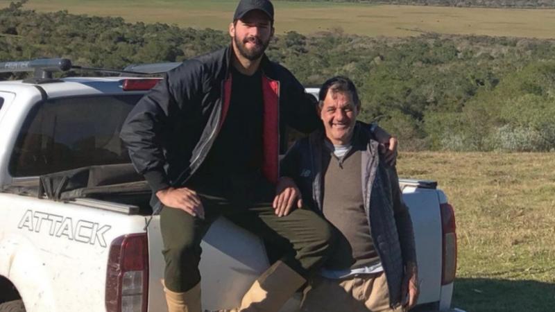 Liverpool en deuil : Le père d'Alisson Becker meurt noyé dans un lac au Brésil