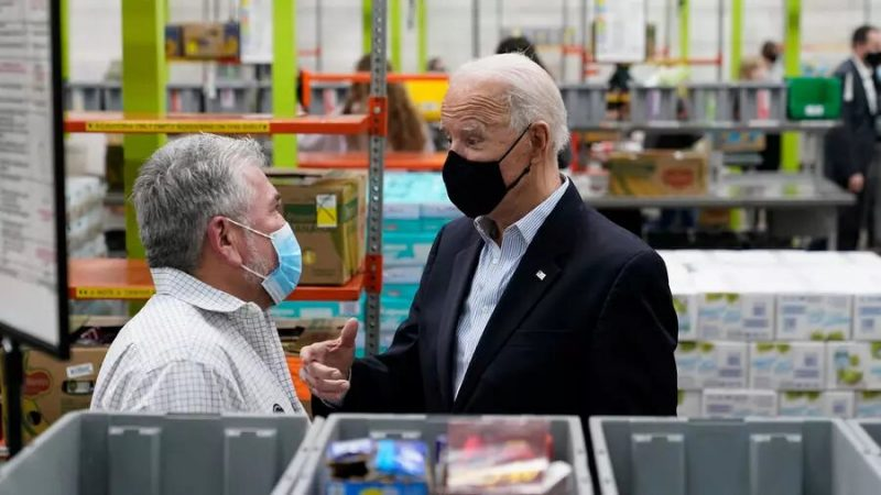 Vague de froid au Texas: Biden à Houston face aux attentes des sinistrés