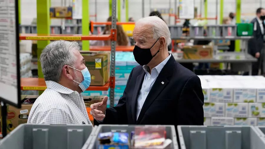 Vague de froid au Texas: Biden à Houston face aux attentes des sinistrés