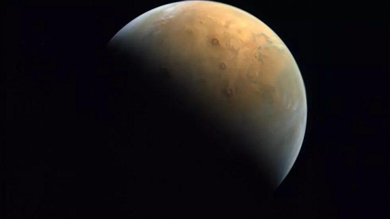 Première image de Mars par la sonde «Hope» des Emirats (responsable)