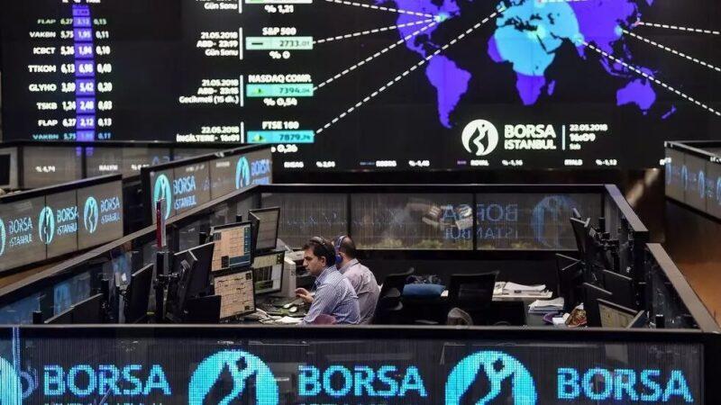 Crise monétaire en Turquie: la livre dégringole, la Bourse d'Istanbul dans la tourmente