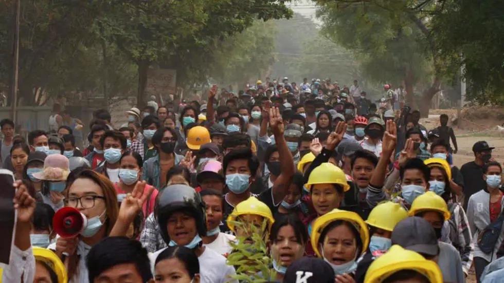 En Birmanie, les manifestations se poursuivent malgré la répression meurtrière du week-end