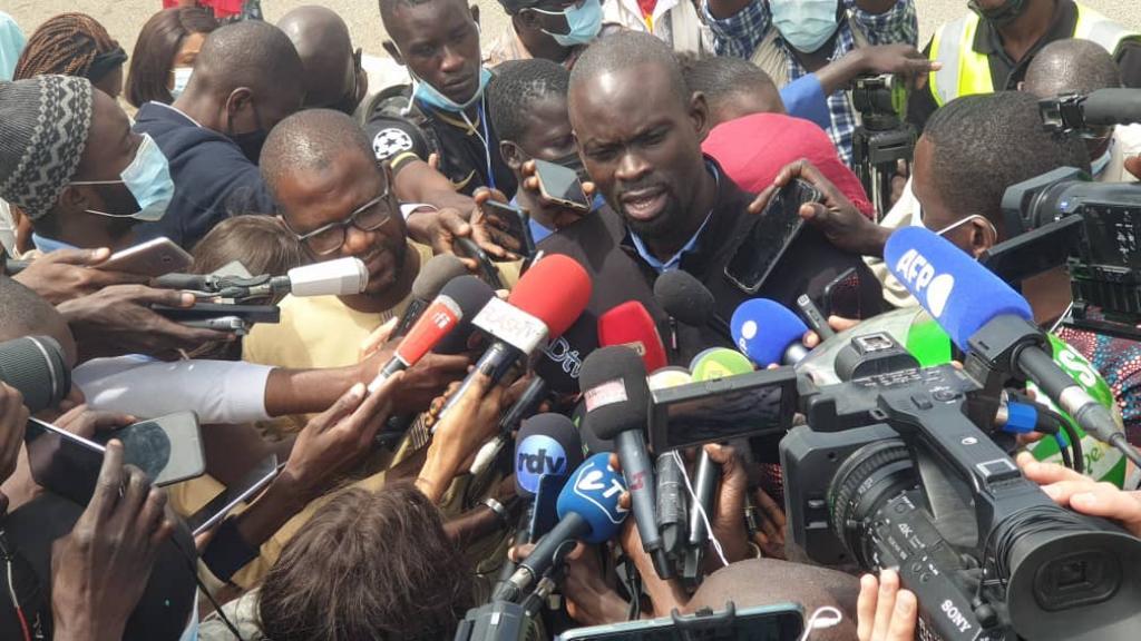 En direct : la déclaration des avocats de SONKO