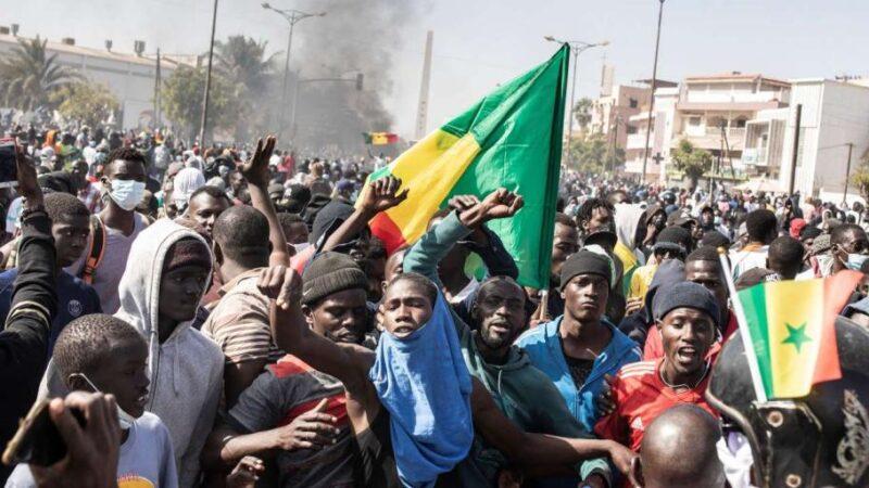 Manifestations: 20 frondeurs placés sous mandat de dépôt