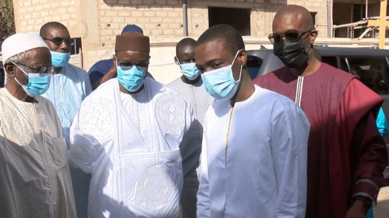 Ousmane Sonko rend visite le Groupe Futurs Médias (Vidéo)