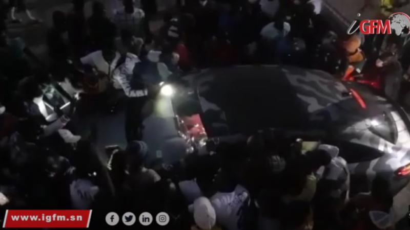 Voiture personnalisée, visite surprise…Sadio Mané accueilli en grande pompe à Rufisque