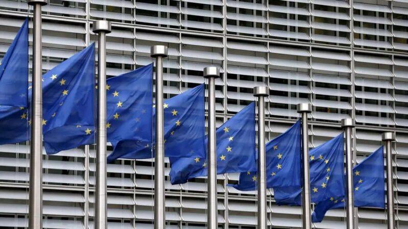 L'Union européenne durcit le contrôle des exportations de vaccin