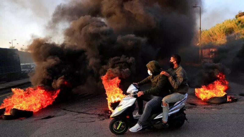 La nouvelle chute de la livre libanaise déclenche la colère de la population