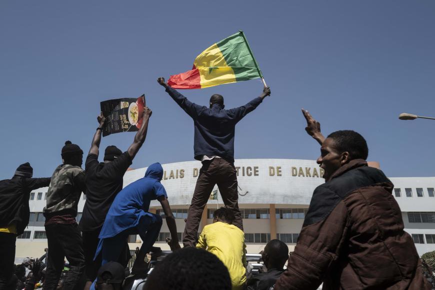 Human Rights Watch demande une enquête indépendante sur les victimes des manifestations