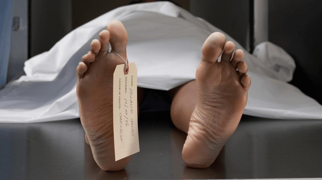 Déclaré mort, un Indien de 27 ans revient à la vie sur la table d'autopsie