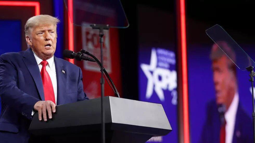 De retour sur la scène politique, Trump flirte avec l'idée d'une candidature en 2024