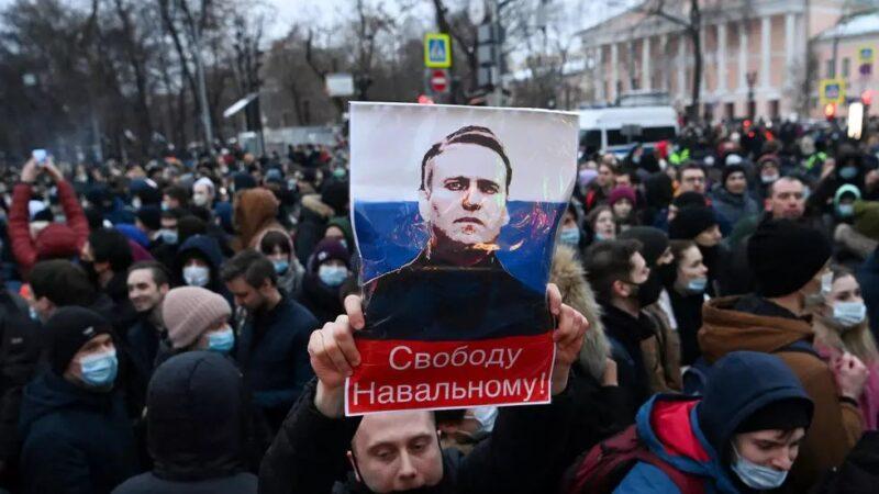 Russie : la santé de Navalny se détériore, ses partisans se mobilisent