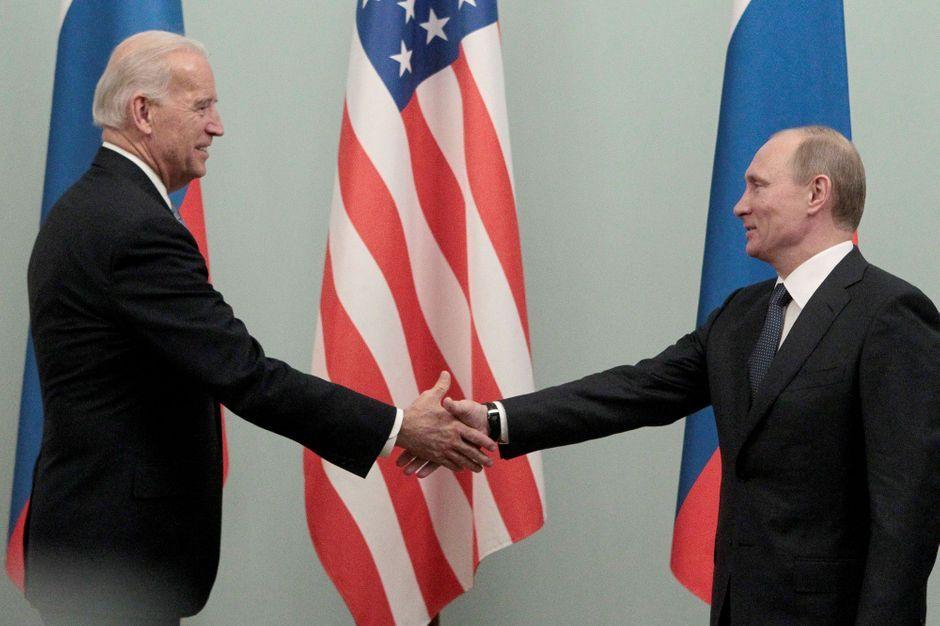 Poutine et Biden prêts à «poursuivre le dialogue» pour garantir la sécurité mondiale (Kremlin)