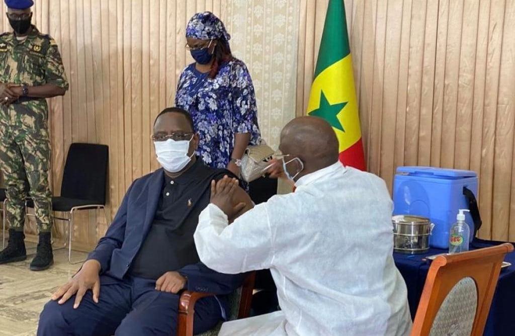 La Chine «offre» 300 doses de vaccin au Sénégal