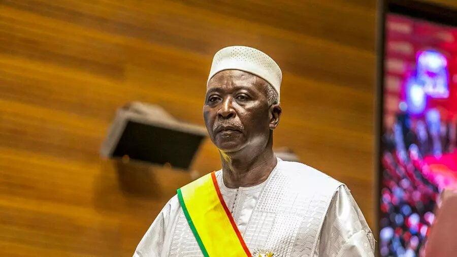 Mali: le président de la Transition et le Premier ministre emmenés au camp militaire de Kati