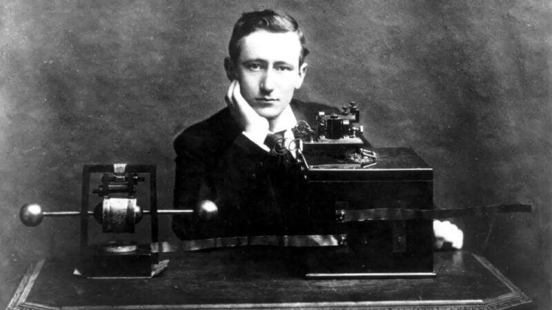 100 ans de la radio: une longue histoire qui continue