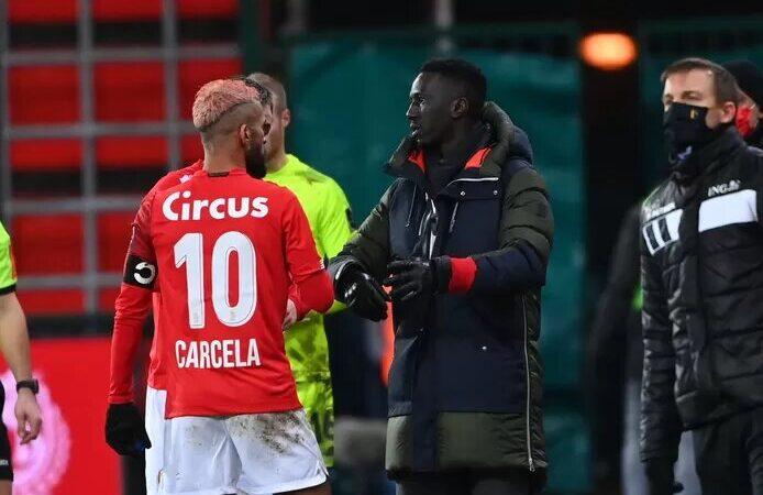 """Mbaye Leye recadre Mehdi Carcela: """"Il est écarté, s'entraîne seul et ce sera encore le cas toute la semaine"""""""