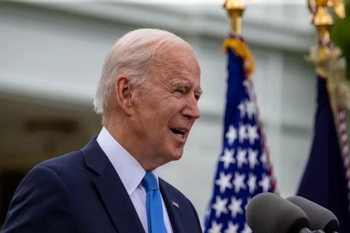 """La vie à la Maison Blanche ne serait pas un long fleuve tranquille: Joe Biden, un président obsédé par les détails et qui """"explose"""" régulièrement"""