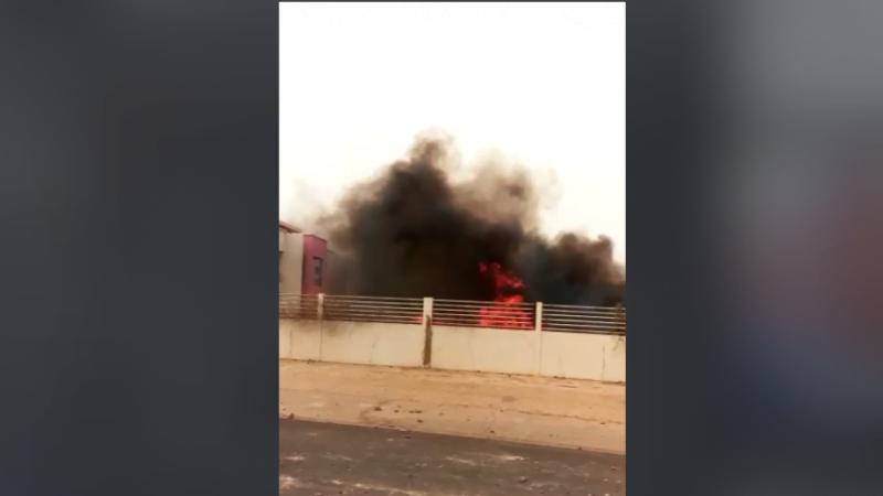 Ndouloumadji: Des jeunes mettent le feu à la demeure de Macky
