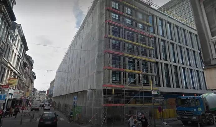 Un jeune homme décède après une chute de plusieurs étages à Liège: il voulait contempler la vue