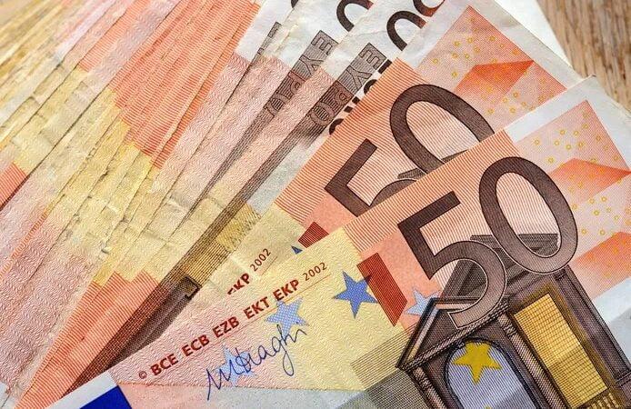 Il trouve 85.000 euros dans des encombrants déposés en pleine rue à Bordeaux