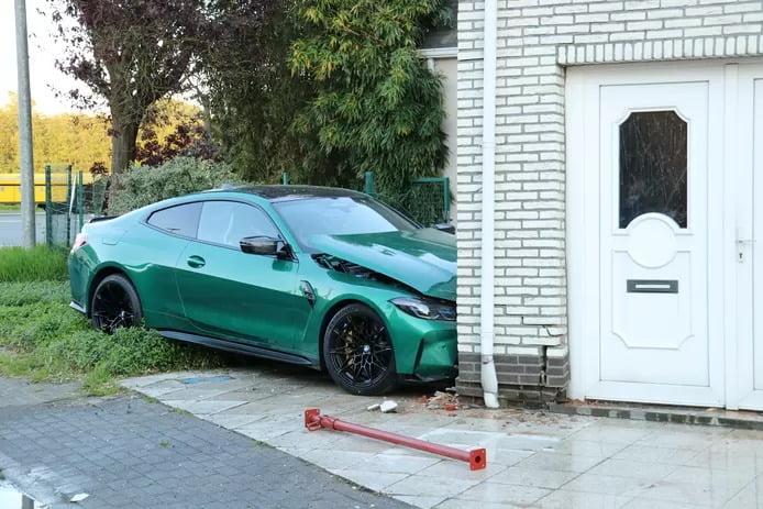 Un conducteur encastre sa BMW de trois jours, d'une valeur de plus de 100.000 euros, contre la façade d'une maison