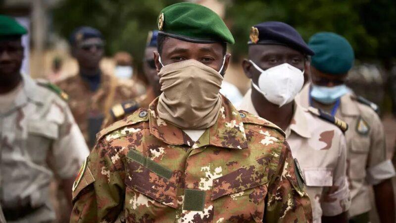 L'Union africaine suspend le Mali mais ne sanctionne pas les auteurs du nouveau coup d'État