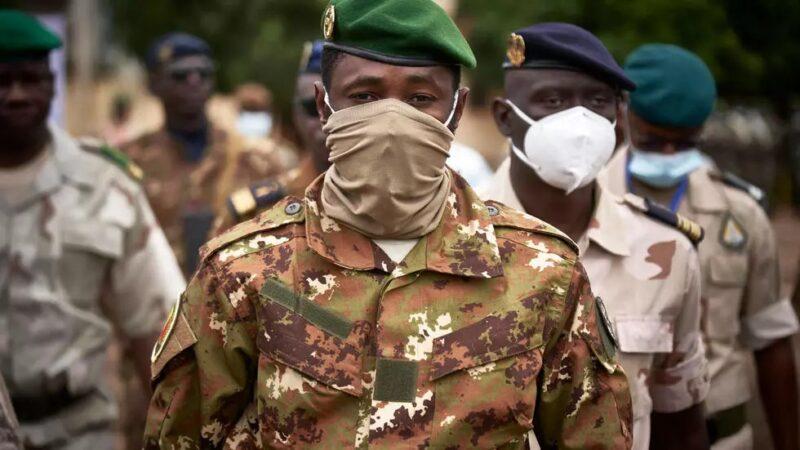 Mali : tentative d'attaque manquée au couteau contre le président par intérim Assimi Goïta durant la fête de l'Aïd