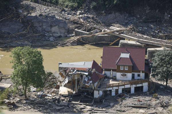 Inondations : jusqu'à 5 milliards d'euros de dégâts assurés en Allemagne