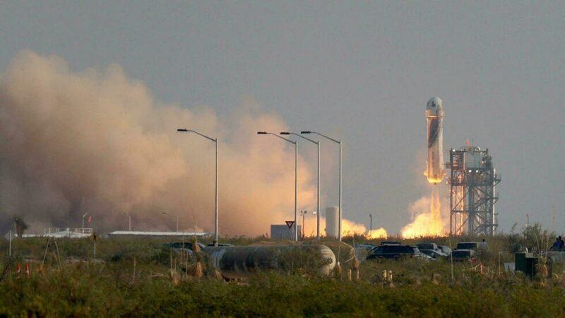 Vol et atterrissage réussis pour Jeff Bezos pour son premier vol spatial